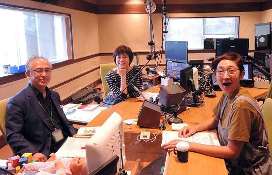 藤田篤は、知育玩具、絵本、子育ての専門家として、テレビ、ラジオに出演しています。